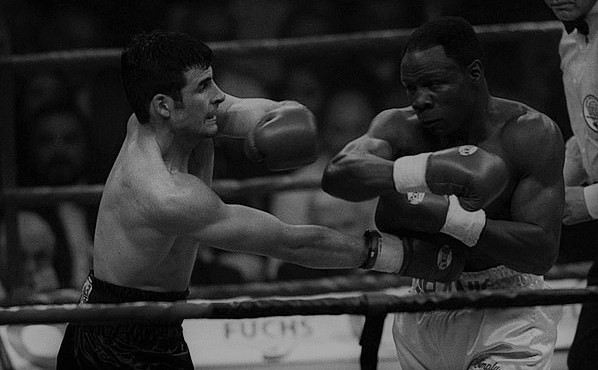 Joe Calzaghe clips Chris Eubank