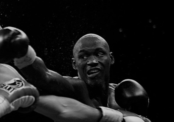 Antonio Tarver clips Clinton Woods