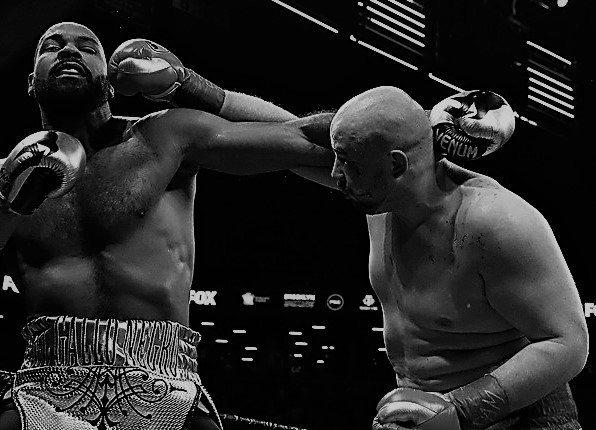 Adam Kownacki bludgeons Gerald Washington